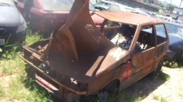 Veículos Reciclagem / Fiat / Uno / CORROIDO FERRUGEM / 160A20117547047